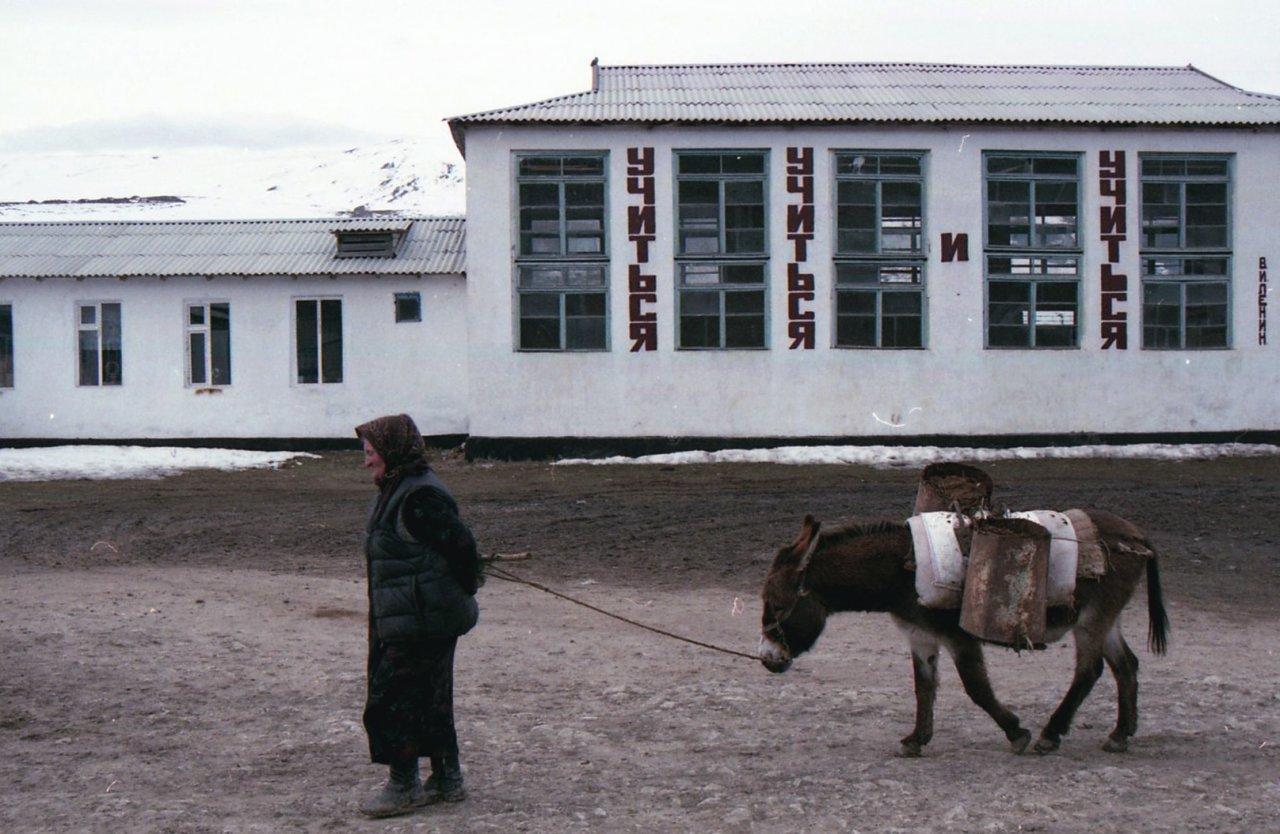 Здание школьного спортзала в селе Балхар