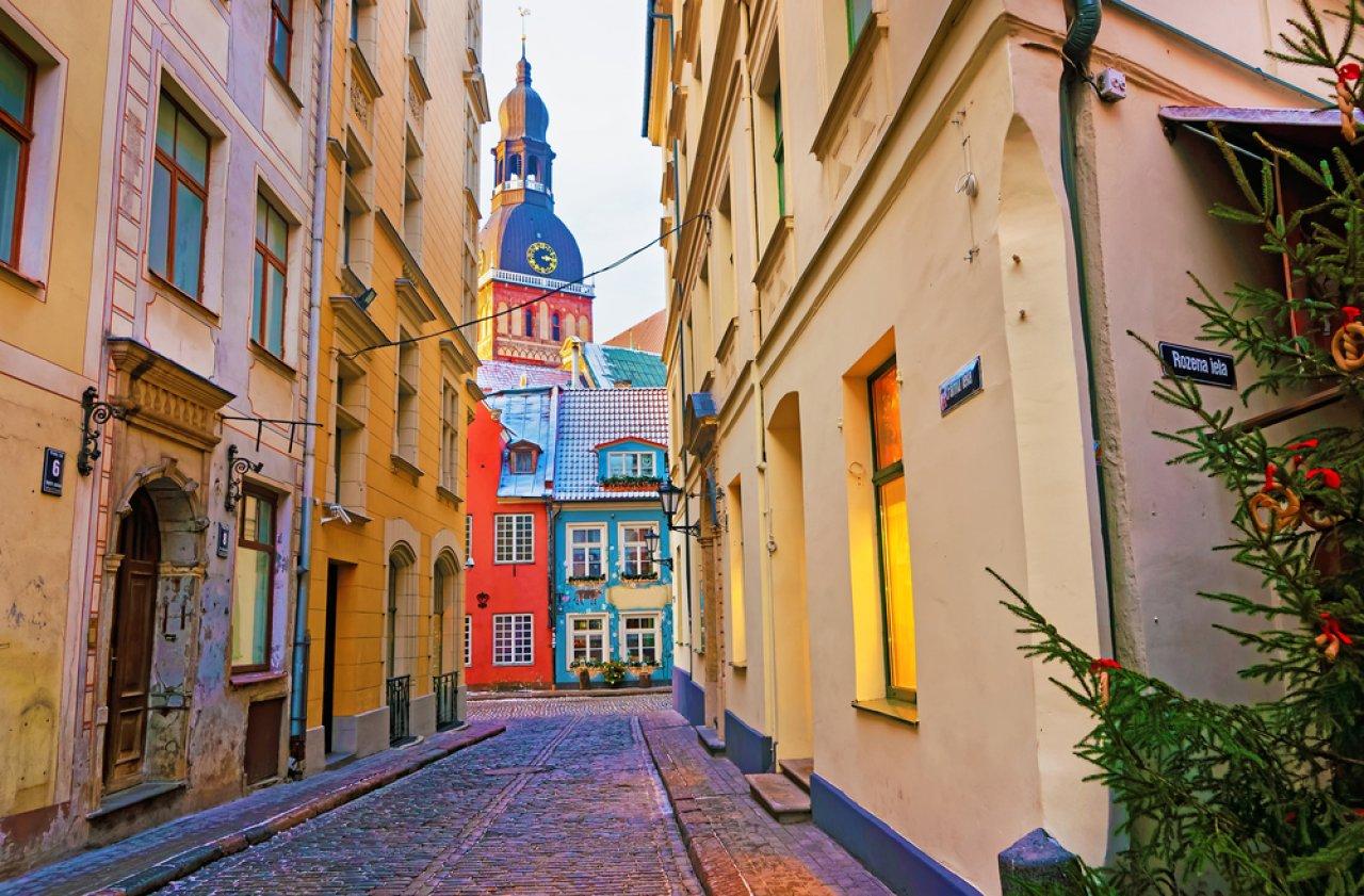 Улочки Старого города, Рига. Фото: Roman Babakin / Shutterstock