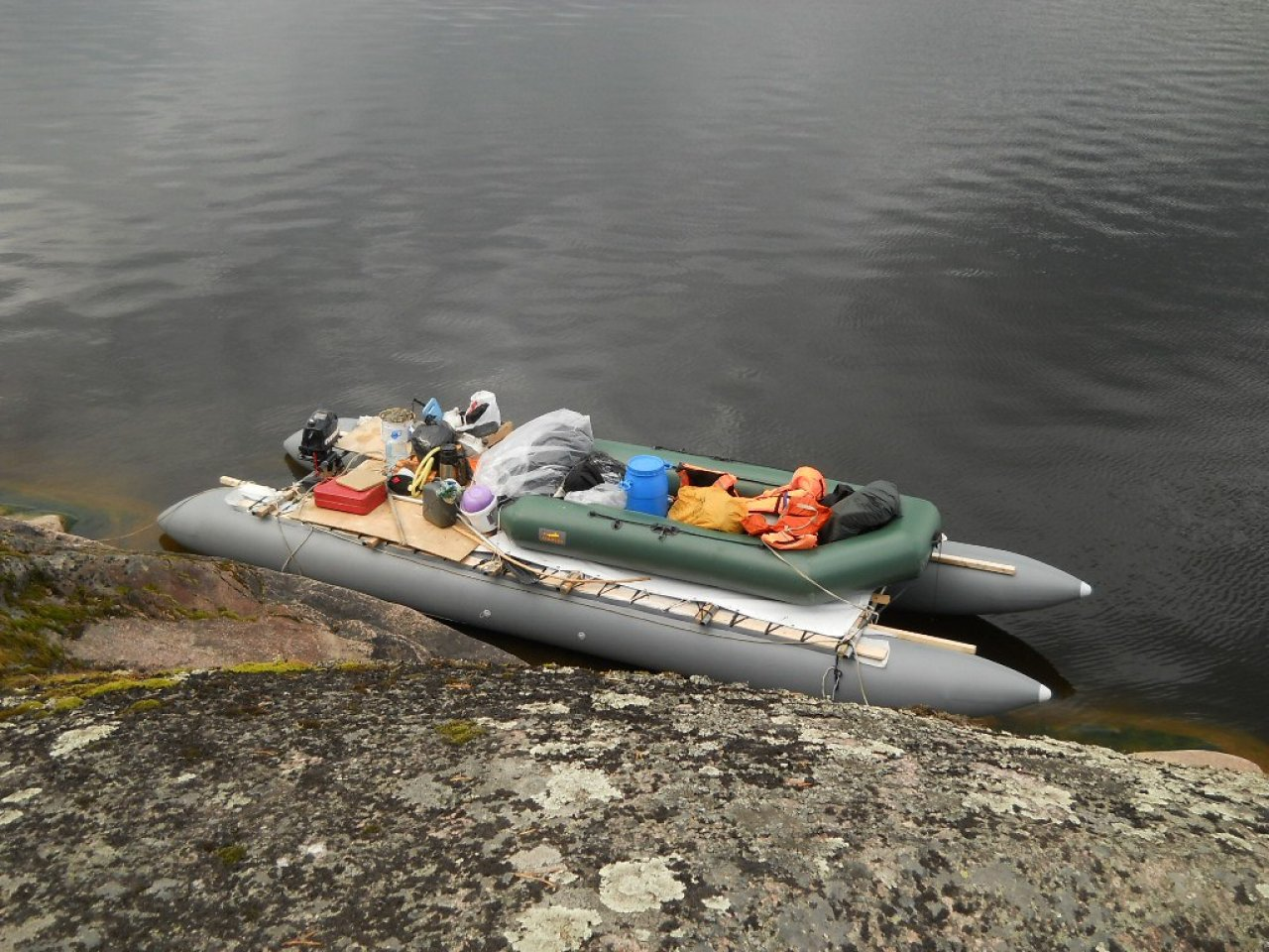 Катамаран «Баюн», на котором проходят экспедиции по Ладоге. Фото: Александр Кольский