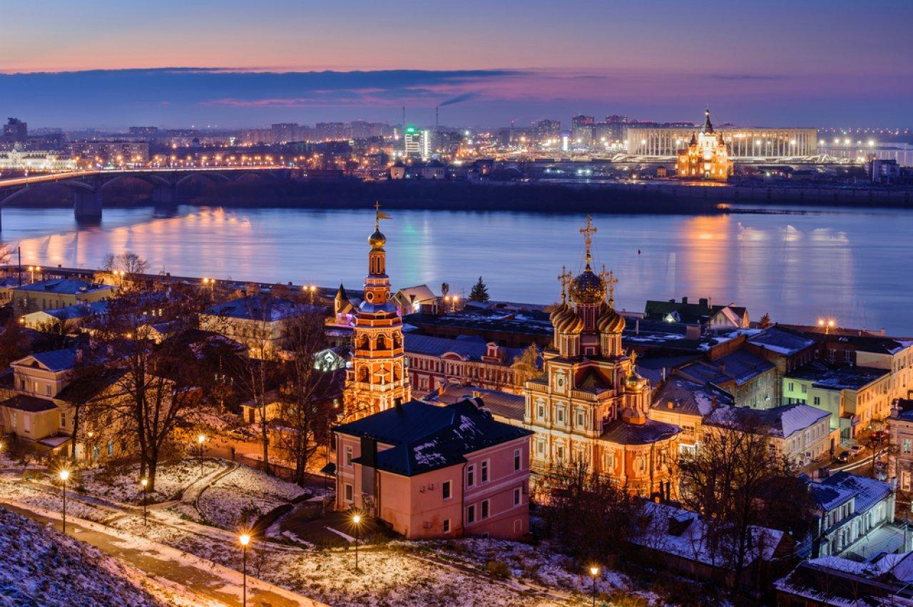 Вид на Оку и Строгановскую церковь. Фото: RAndrei / Shutterstock