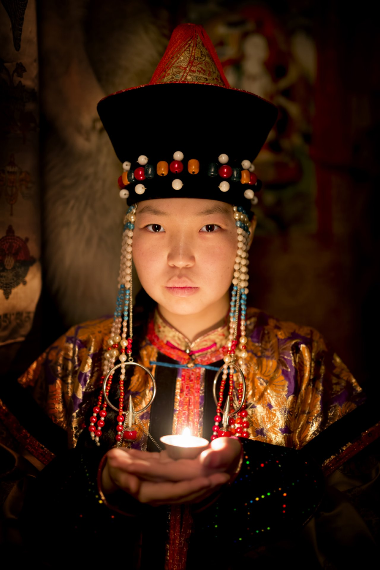 Буряты являются представителями этнических монголов. Их традиции и язык очень похожи. Они одни из немногих, кто практикует буддизм в России. Фото: © Alexander Khimushin / The World In Faces