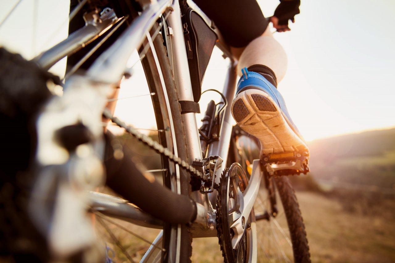 Смотреть японки на горном велосипеде, вечер показ прозрачных купальников