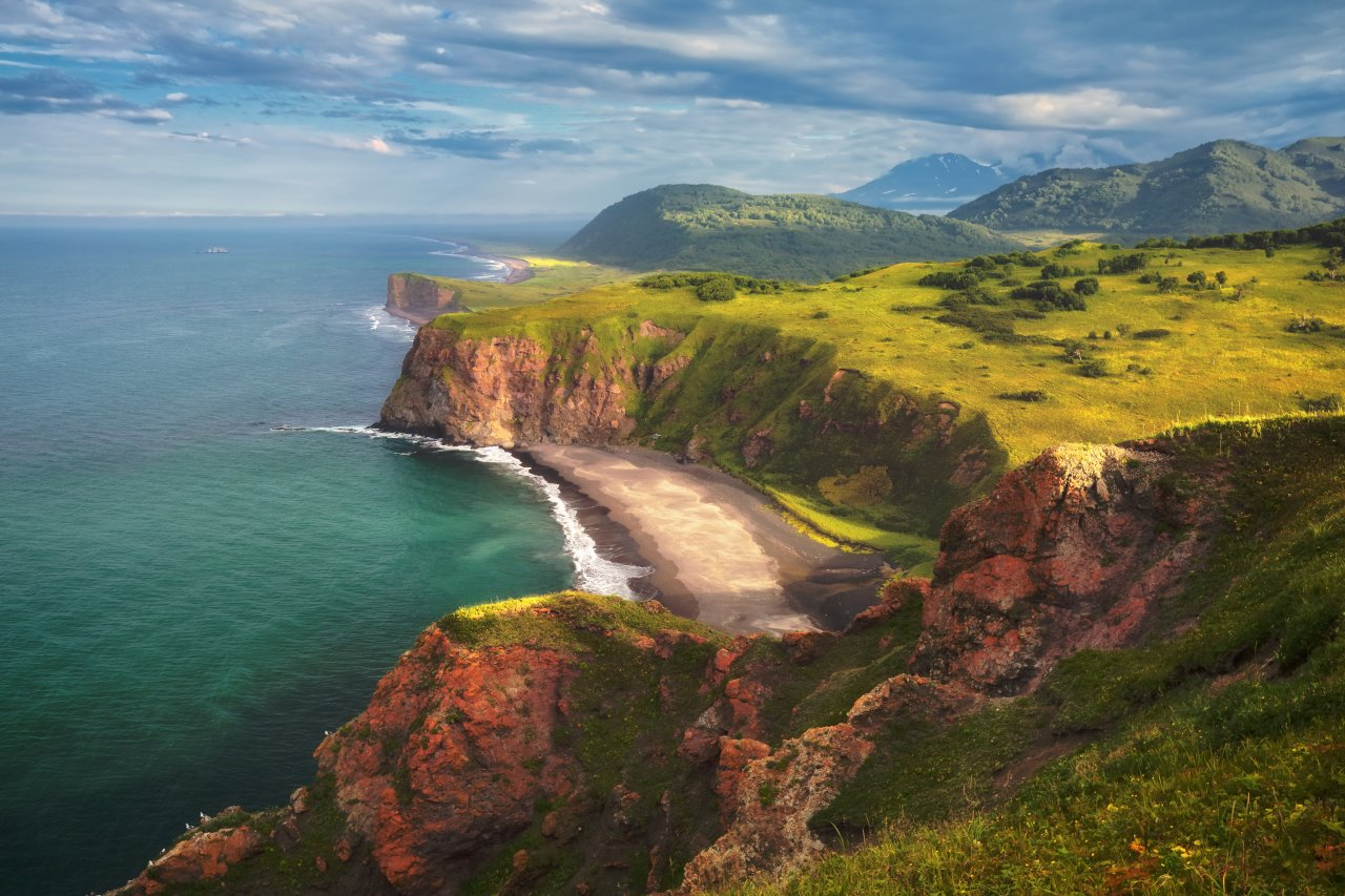 Живописное побережье Камчатки. Фото: Smelov/Shutterstock
